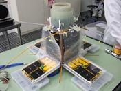 図1 超小型衛星PRISM (東京大学で開発)