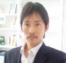 横山先生-顔写真